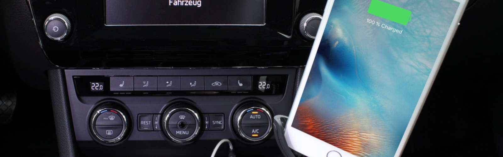 3 port USB in-car 5.5A charger with smartphone holder