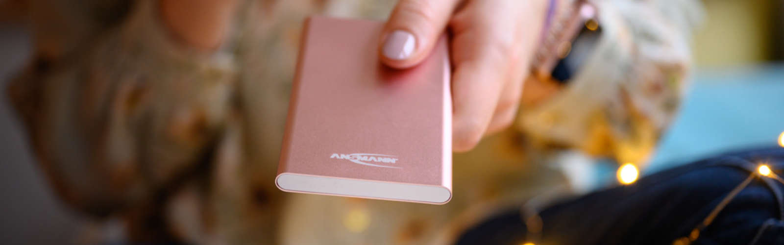Powerbank 4 Ah, pink coloured